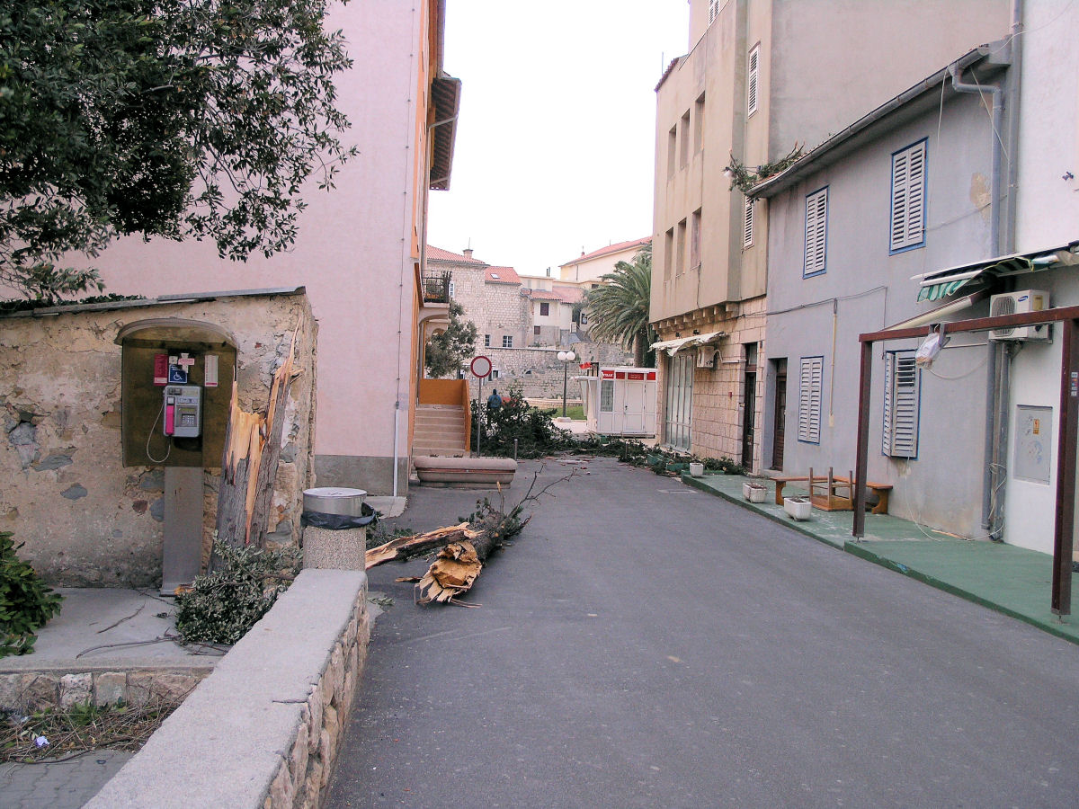 Orkanska Bura 7.2.2012